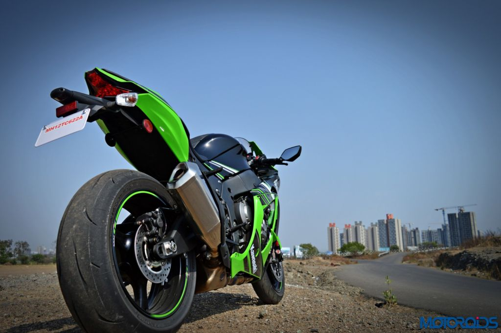 2016 Kawasaki Ninja ZX-10R - Review - Still Shots (3)