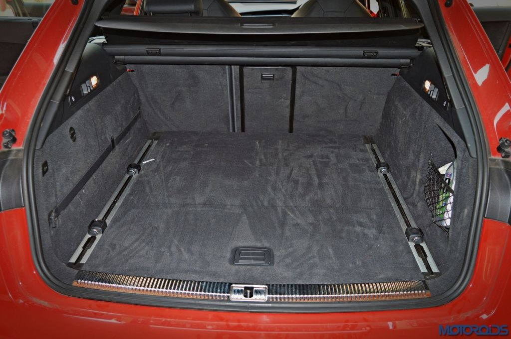 Audi RS6 Avant boot space (2)