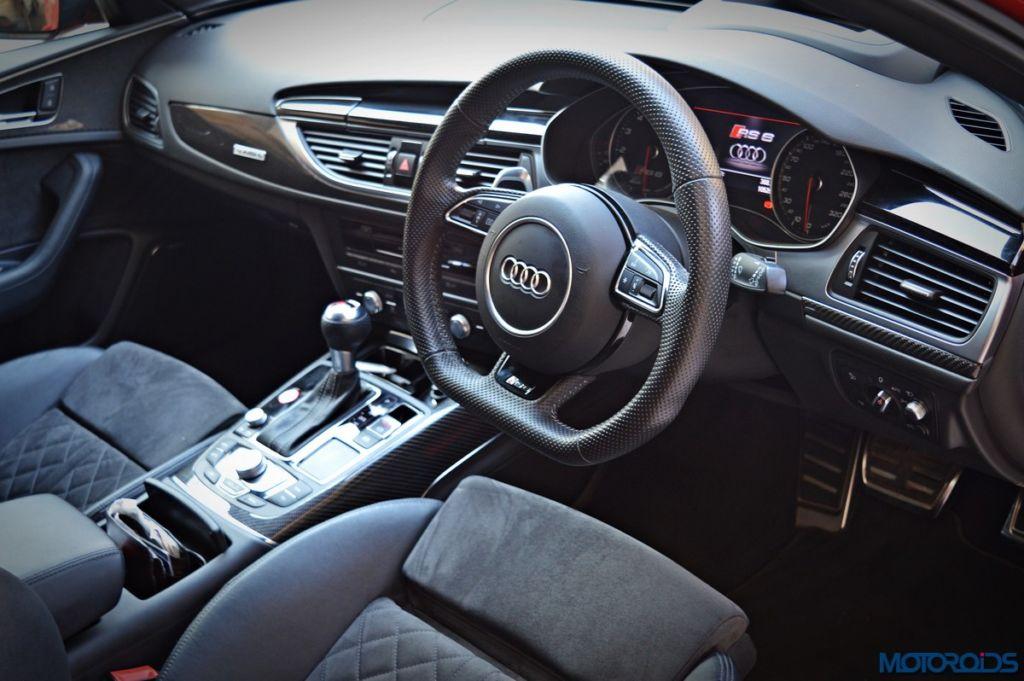 Audi RS6 Avant dashboard (1)