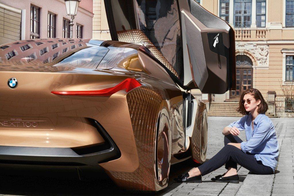 BMW VISION NEXT 100 Asia (18)
