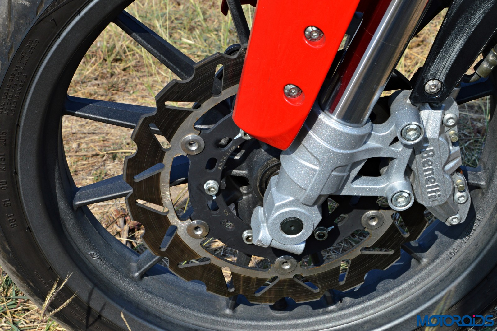Benelli TNT25 Review - Details - Brakes (1)