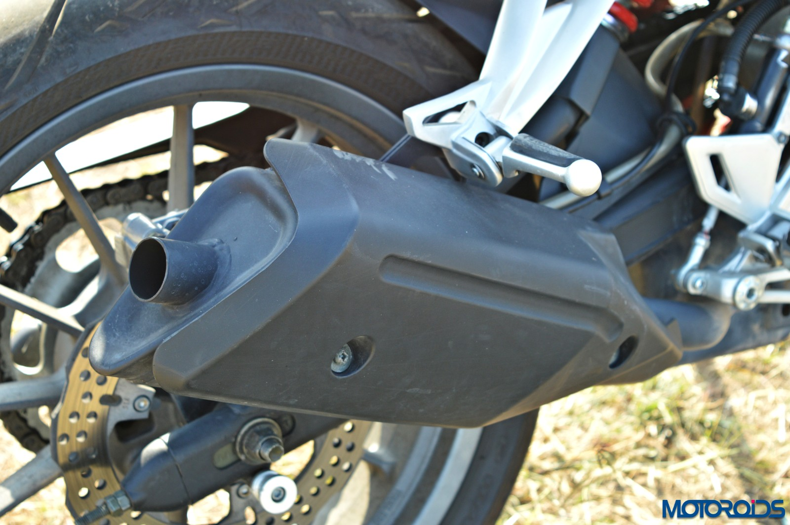 Benelli TNT25 Review - Details - Exhaust