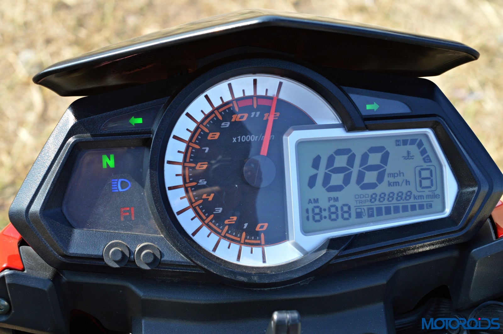 Benelli TNT25 Review - Details - Instrument Cluster (5)