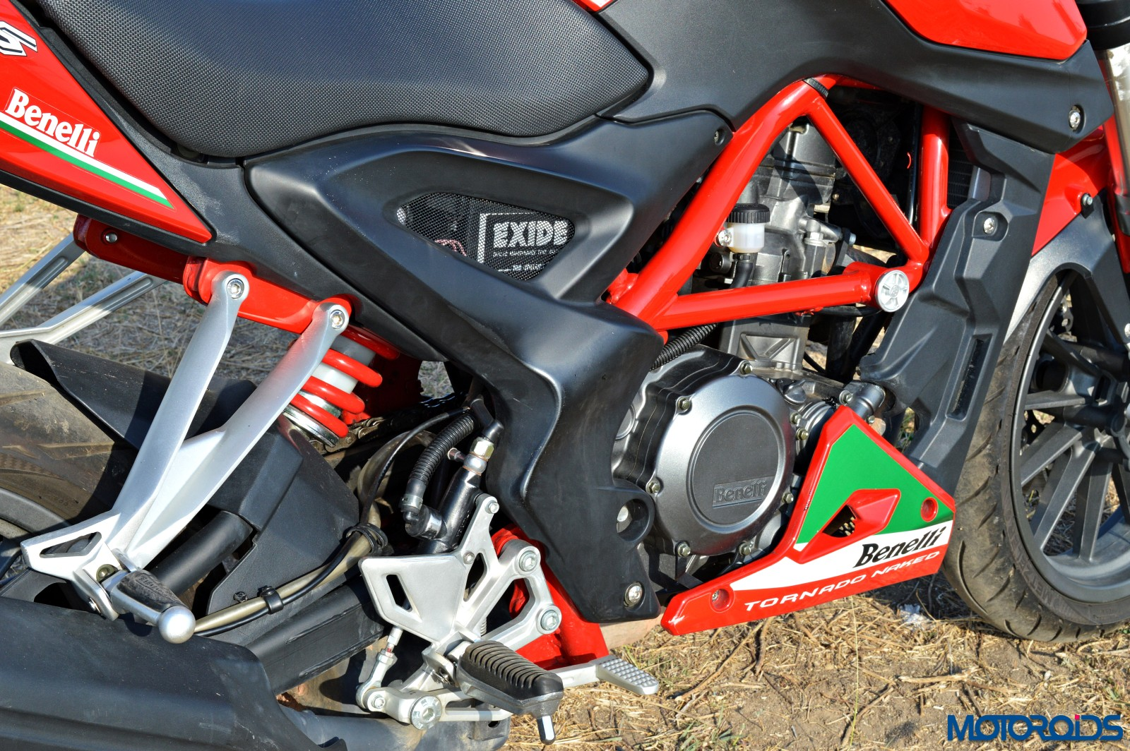 Benelli TNT25 Review - Details - Side Panel (2)