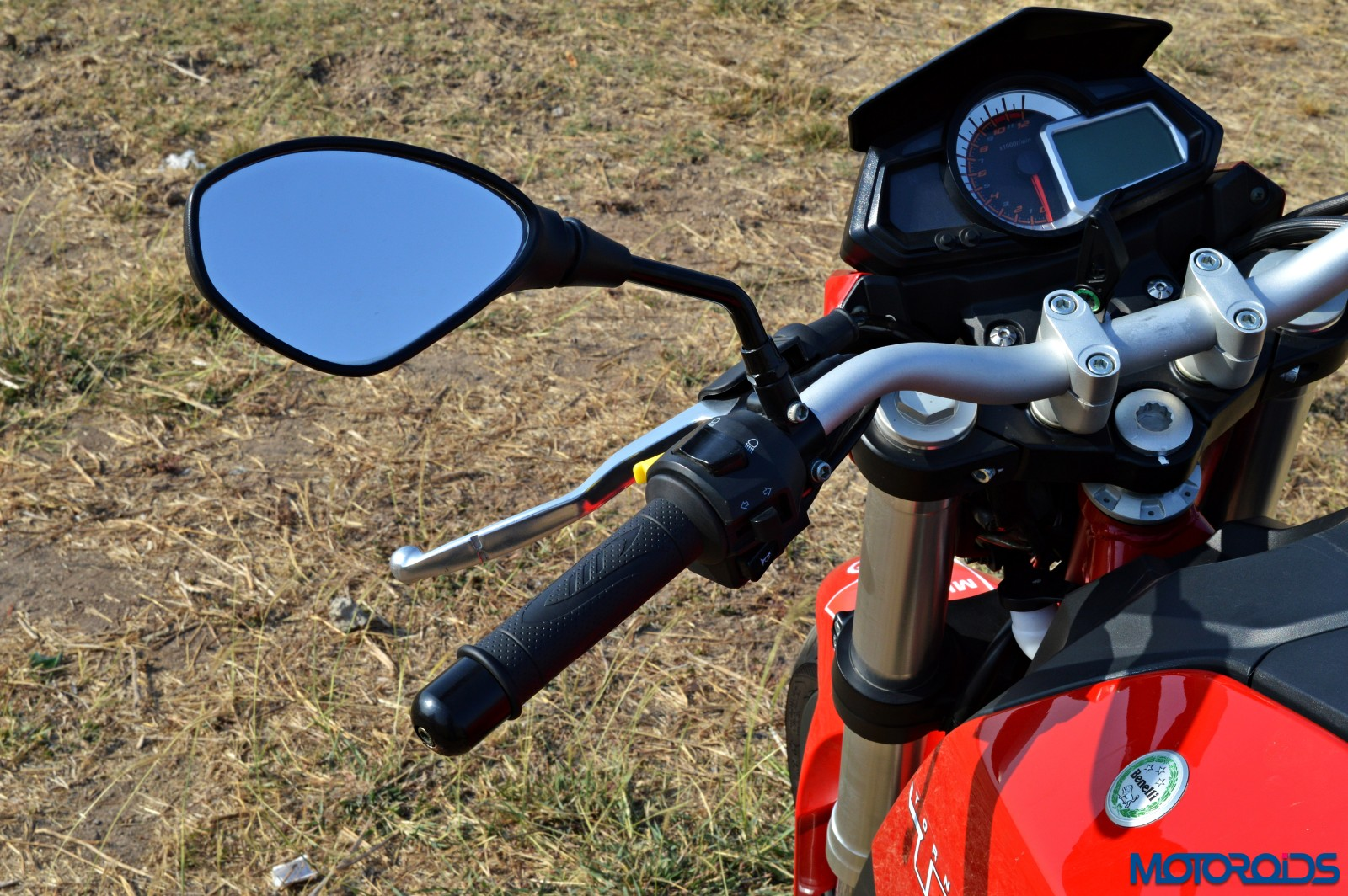 Benelli TNT25 Review - Details - Switchgear (3)