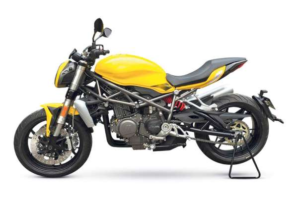 Benelli-Upcoming-750cc-Roadster-2-600x400