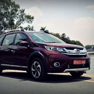 Honda BR-V Launched, Prices start at INR 8.75 L ex-Delhi, diesel at 9.9 L : All the details