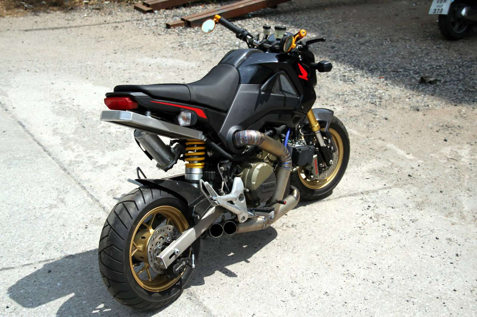 Honda Grom Build >> Video: 205 HP Honda Grom with a Ducati Panigale R engine ...