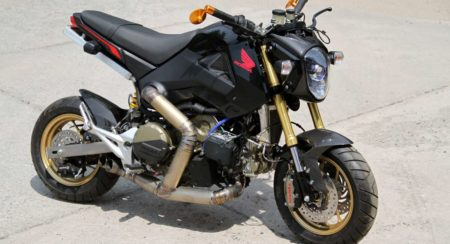 Honda Grom with a Ducati Panigale R engine (6)