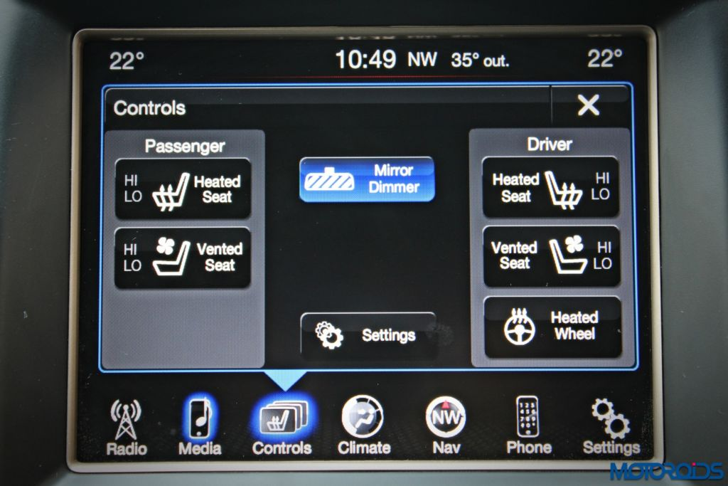 Jeep Grand Cherokee center console touchscreen (4)