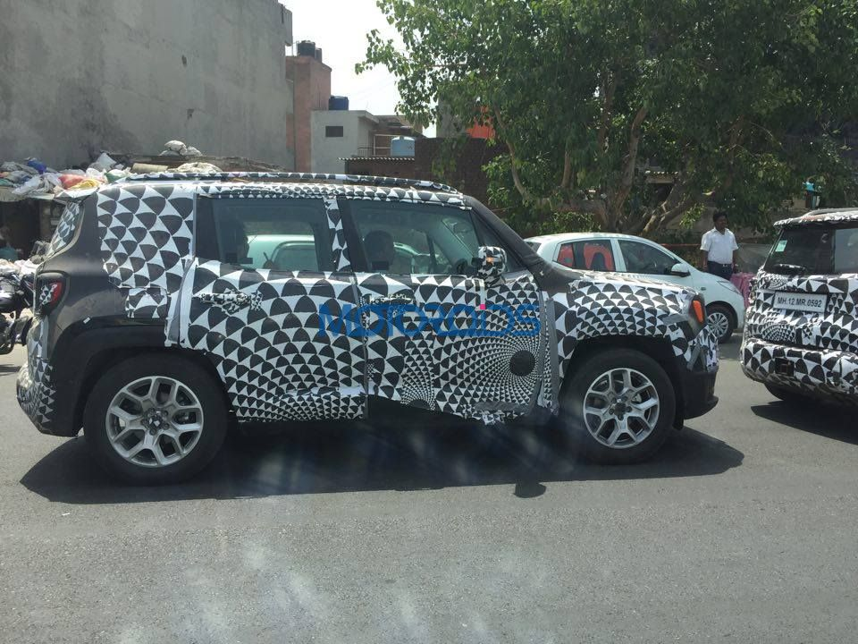Jeep Renegade spied testing (1)