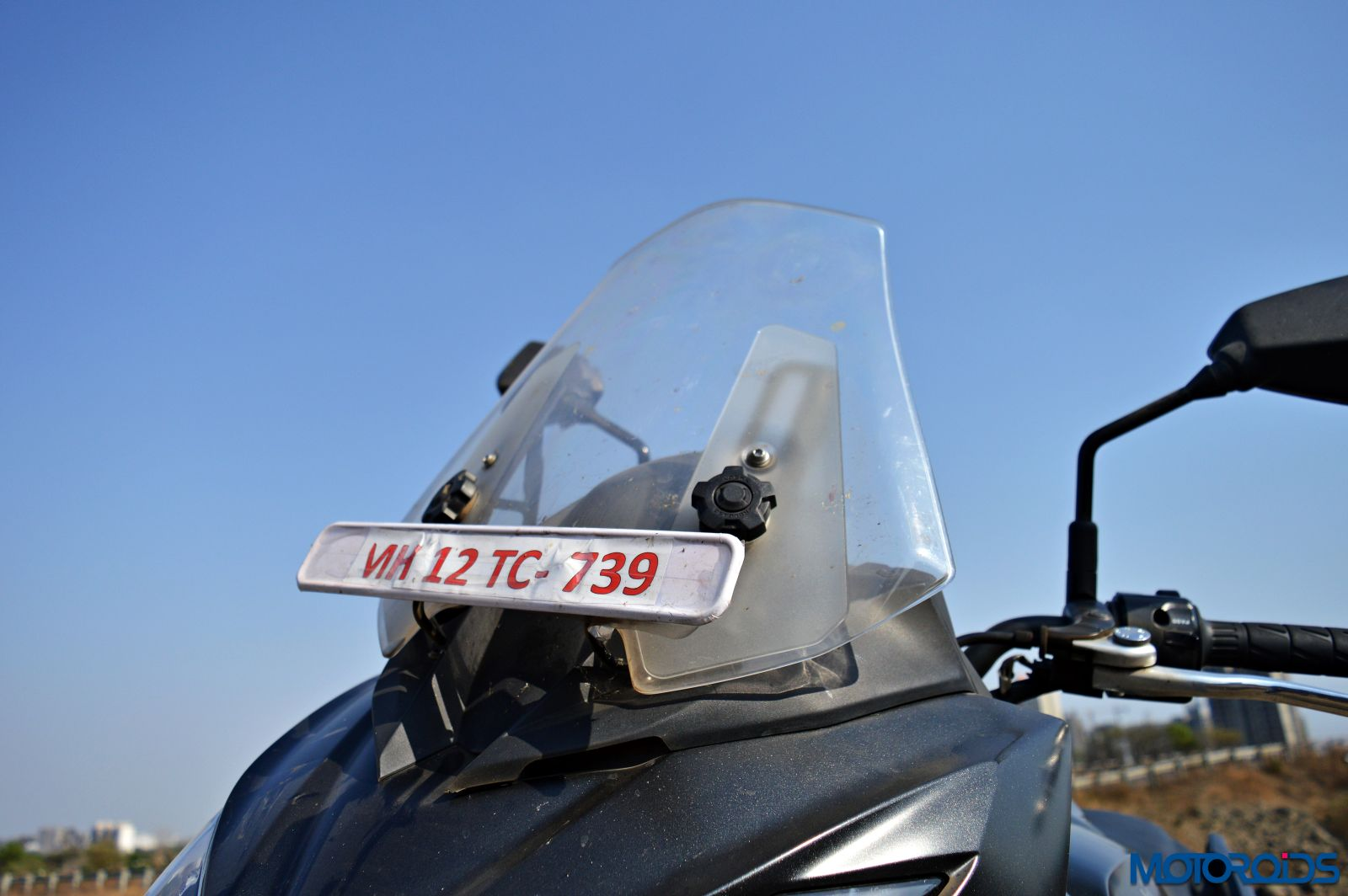 Kawasaki Versys 650 - Review - Details - Windscreen (3)