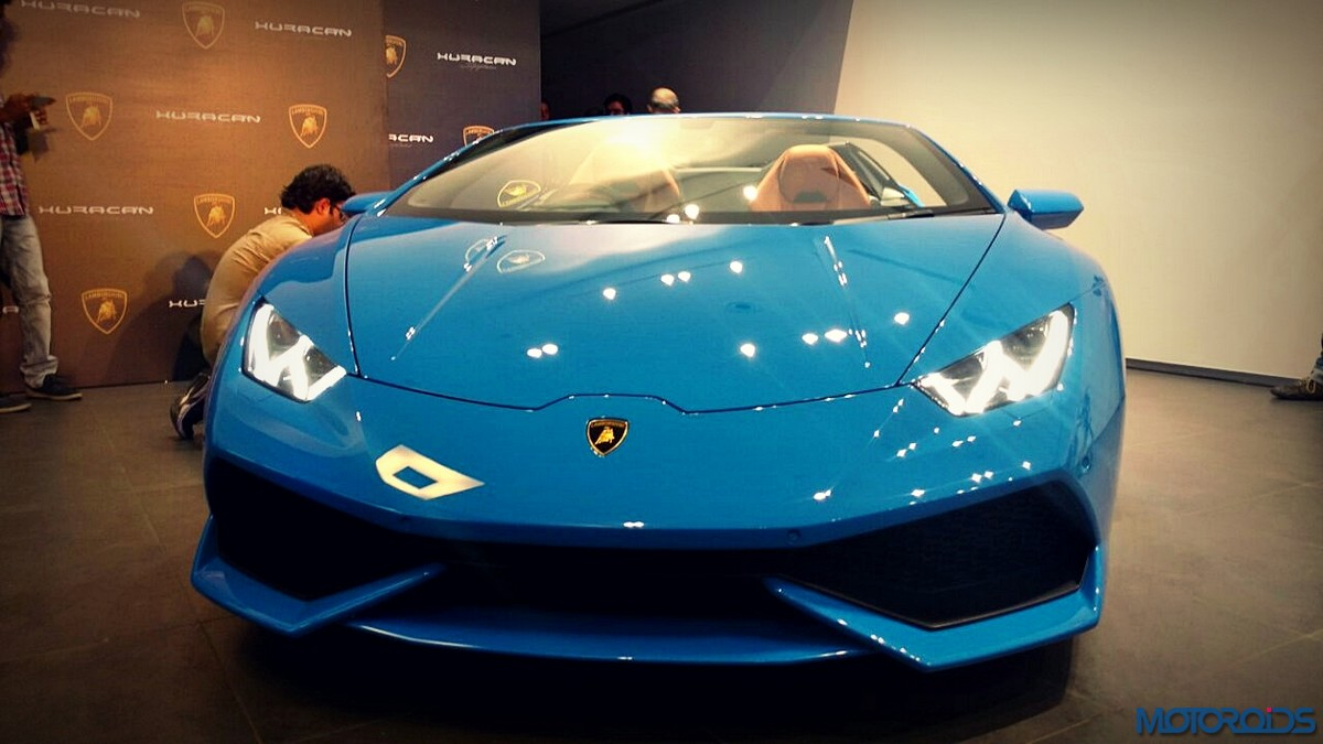 lamborghini huracan spyder launched in india starts at inr crores mot. Black Bedroom Furniture Sets. Home Design Ideas