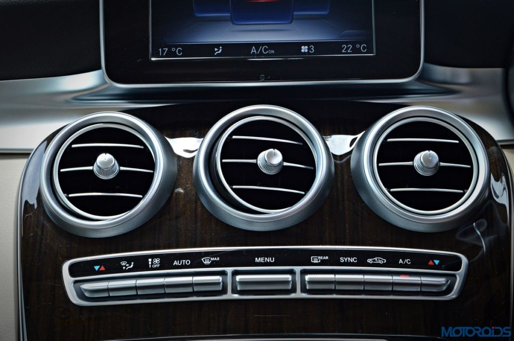 Mercedes-Benz GLC 220d AC vents (3)