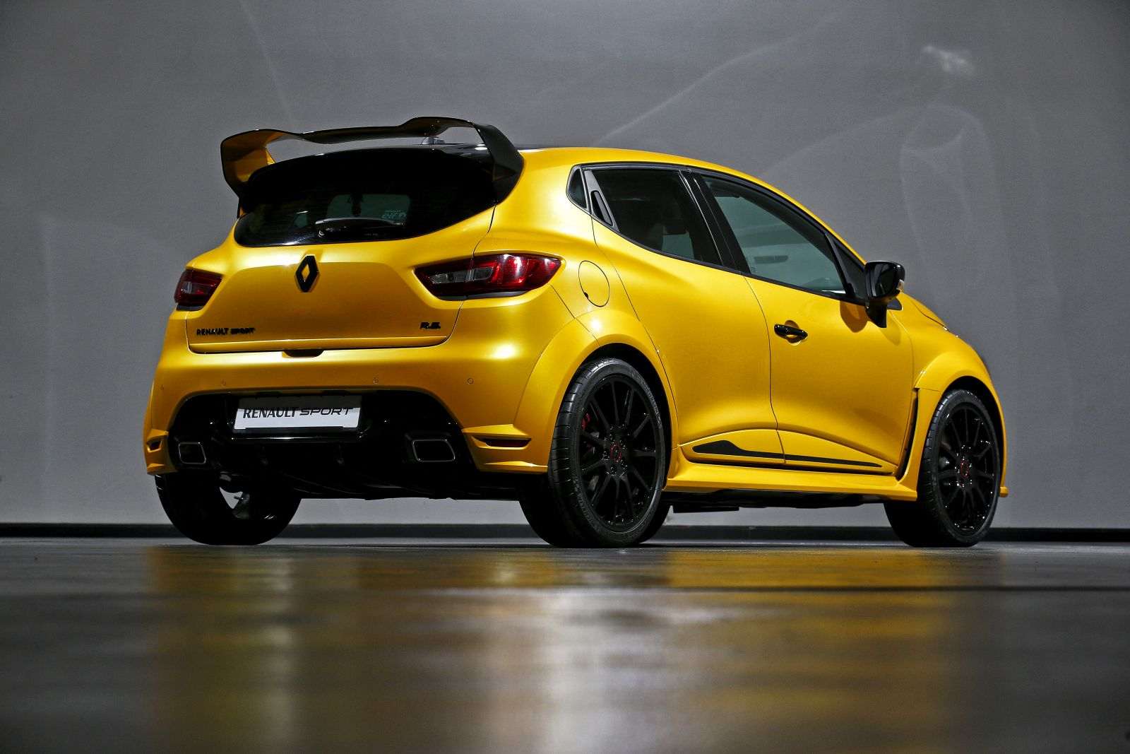 renault clio r concept celebrates renault sport s 40th anniversary and return to formula 1. Black Bedroom Furniture Sets. Home Design Ideas