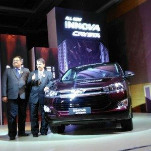 Toyota Innova Crysta officially launched, prices start at INR 13,83,677 (ex-Mumbai)