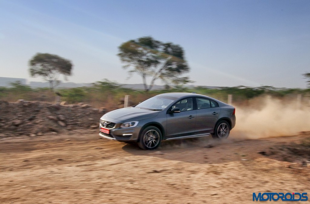 Volvo S60 Cross Country Action (2)