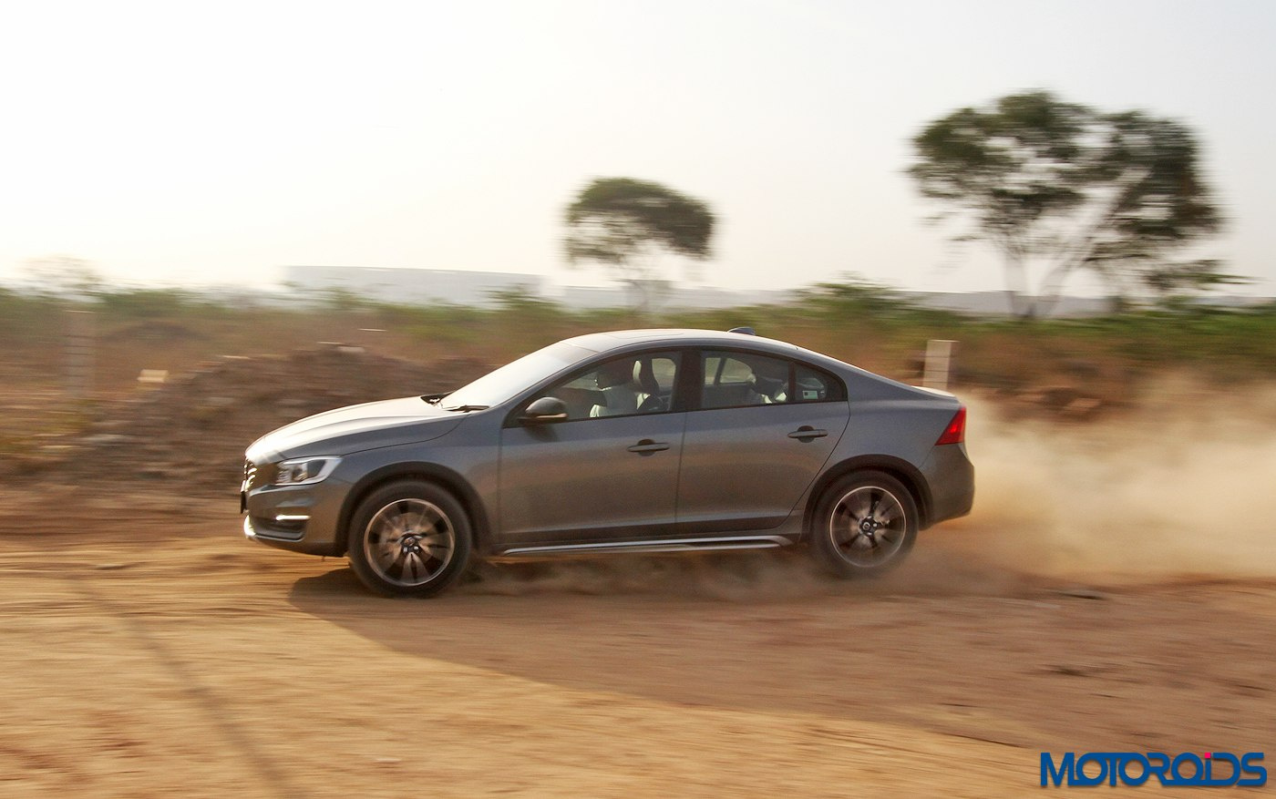 whole bunch of images of the volvo s60 cross country have a look. Black Bedroom Furniture Sets. Home Design Ideas