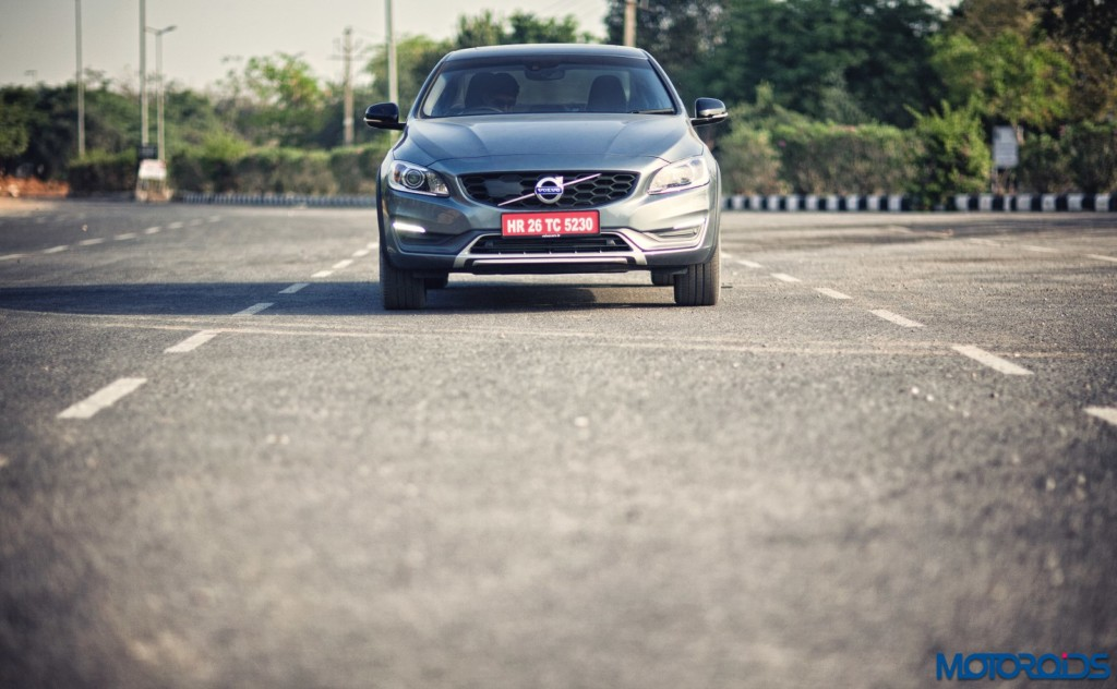 Volvo S60 Cross Country front (1)