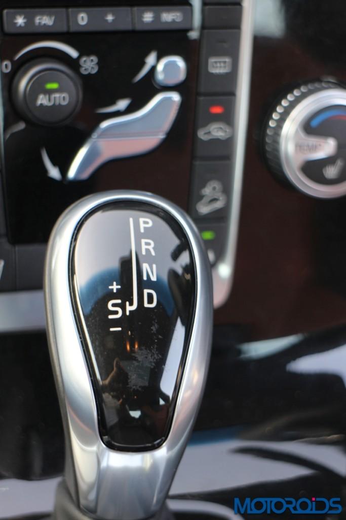 Volvo S60 Cross Country gear knob