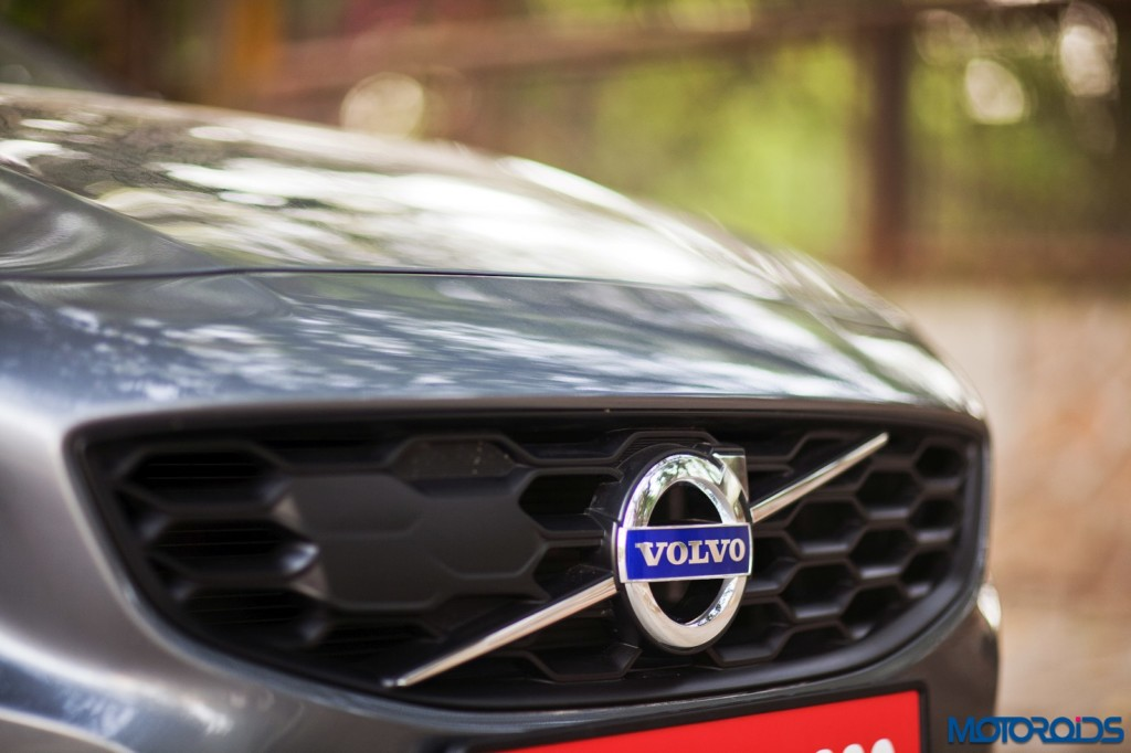 Volvo S60 Cross Country grille front