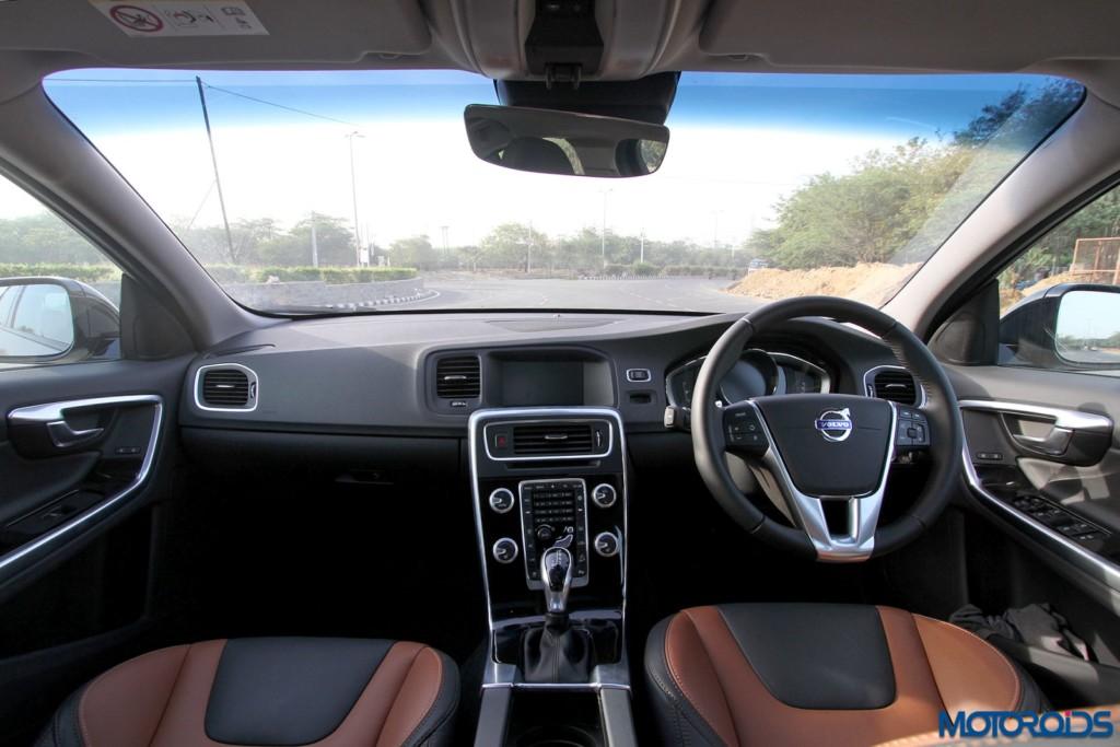 Volvo S60 Cross Country interior