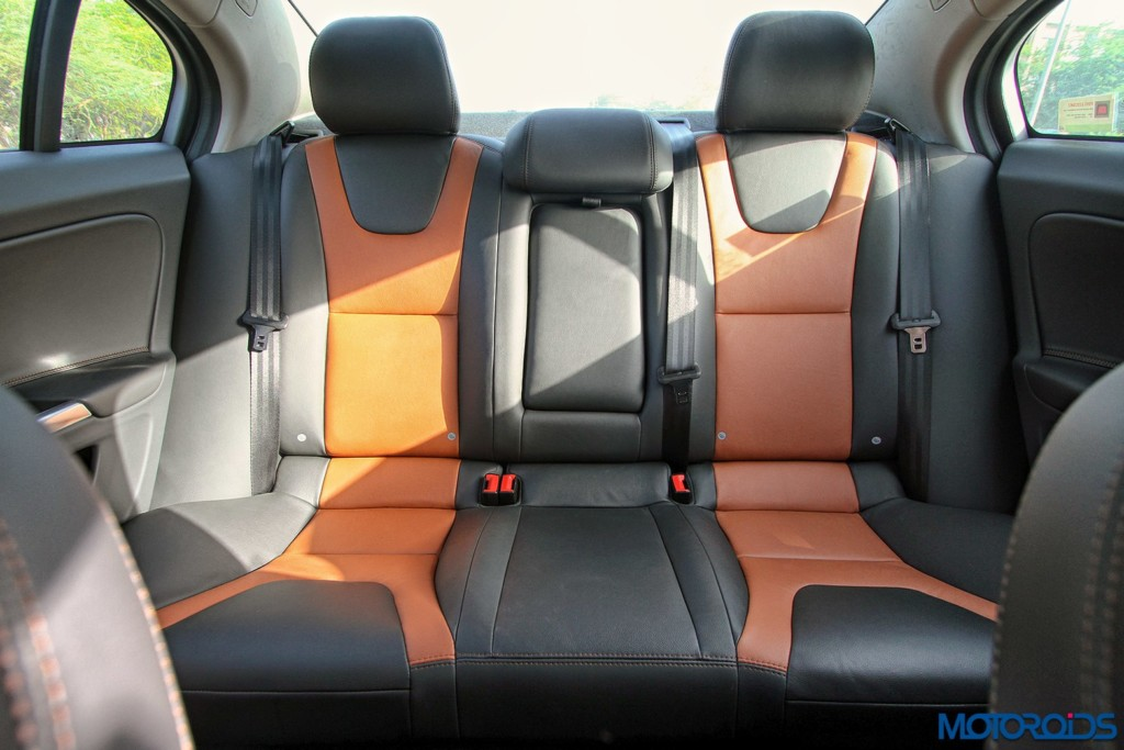 Volvo S60 Cross Country interior rear