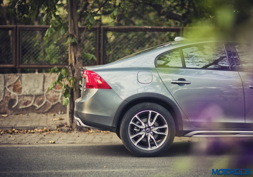Volvo S60 Cross Country rear section