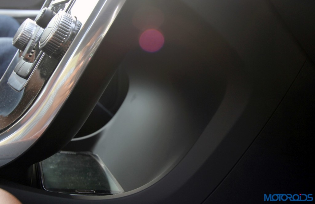 Volvo S60 Cross Country storage space under centre console