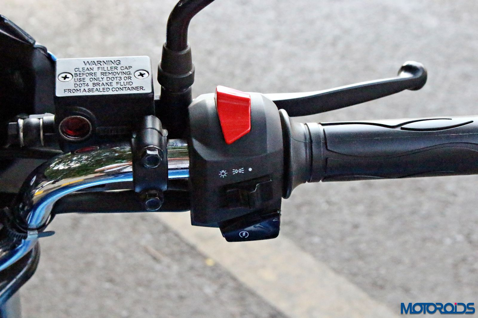 2016 TVS Victor right switch gear