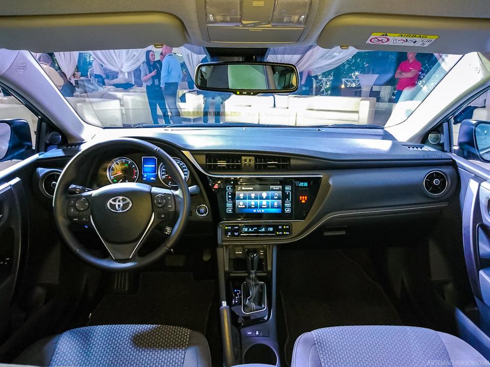 2017 Toyota Corolla Altis Live (5)