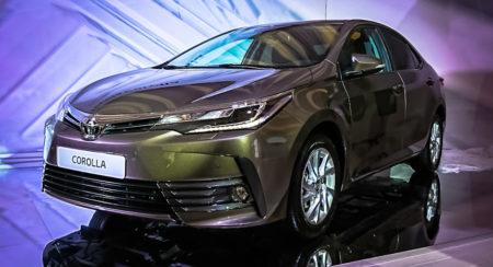 Live Images: 2017 Toyota Corolla Altis unveiled; India bound