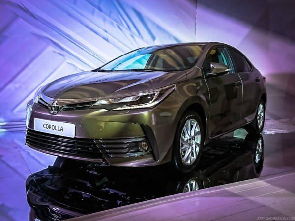 2017-Toyota-Corolla-Altis-Live-8-600x450