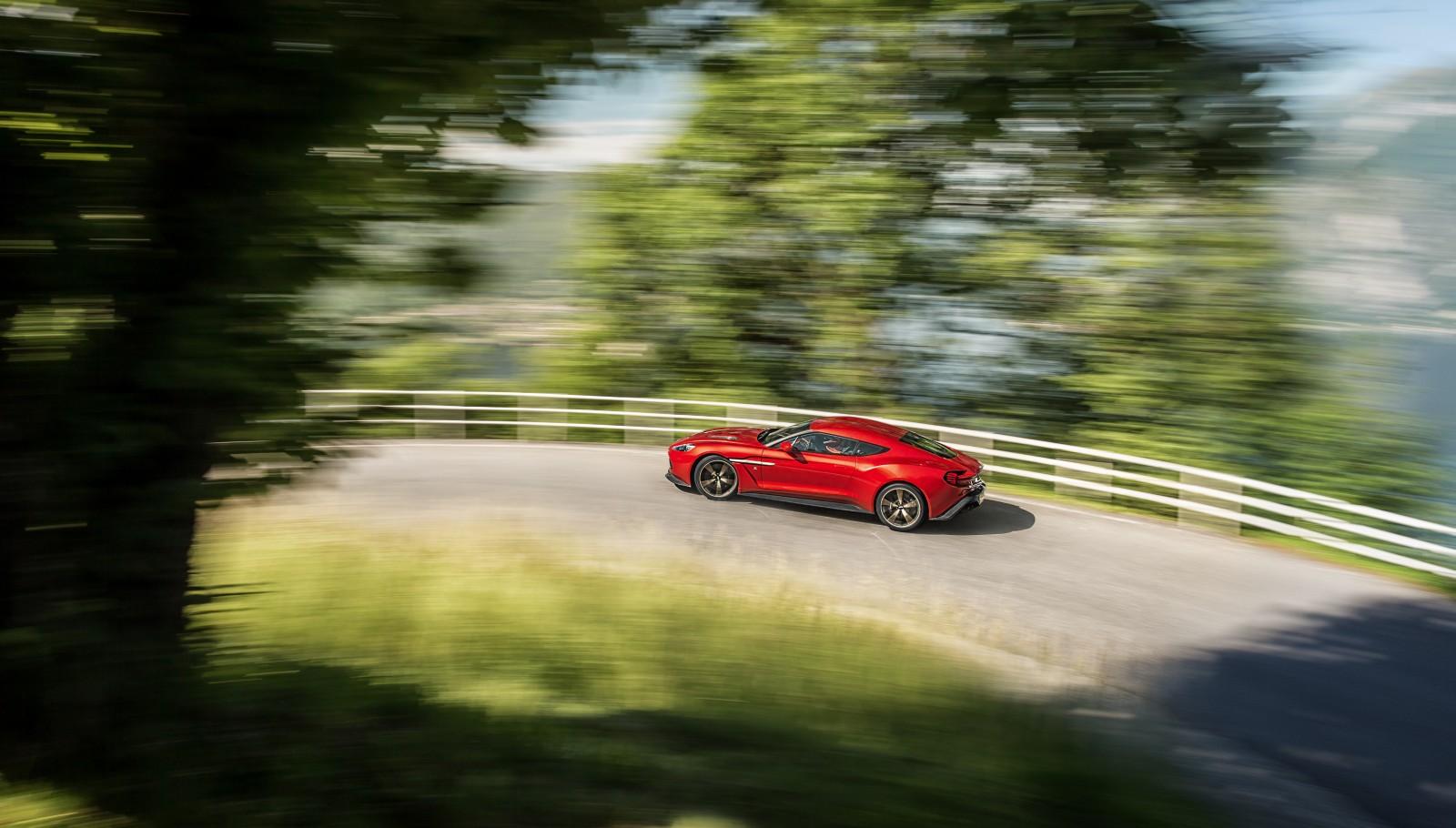 Aston Martin Vanquish Zagato (5)