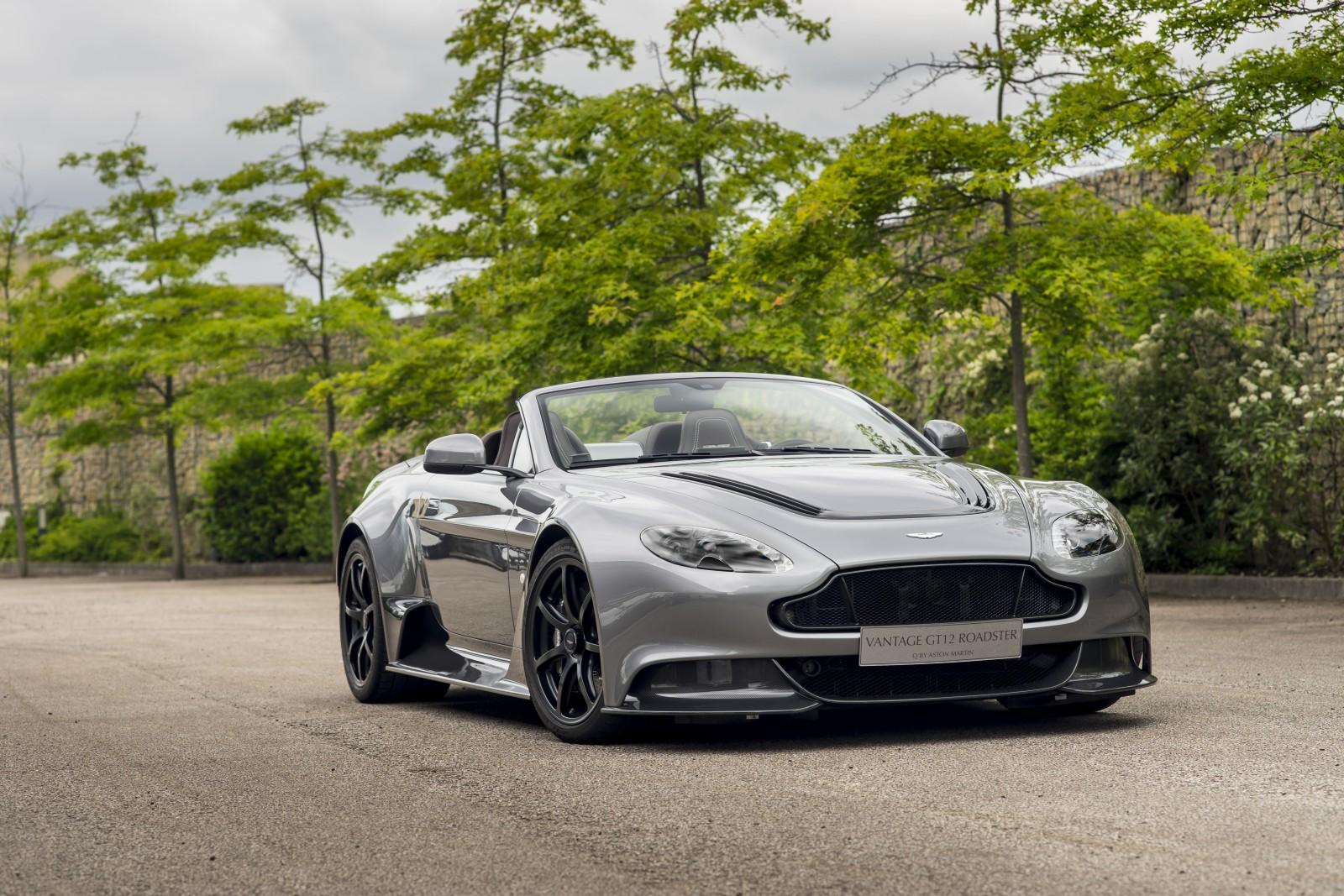 Aston Martin - Vantage GT12 Roadster (1)