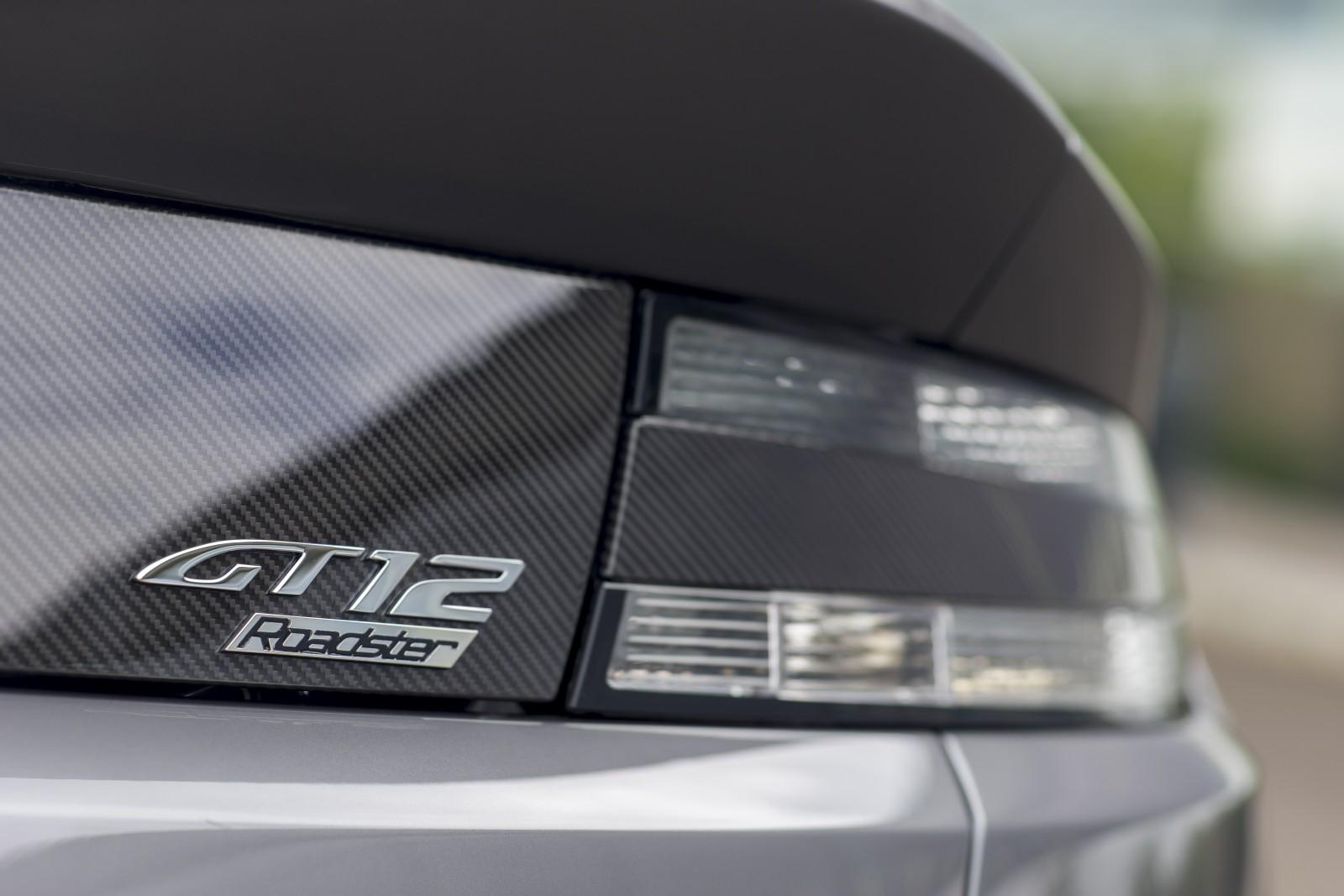 Aston Martin - Vantage GT12 Roadster (5)