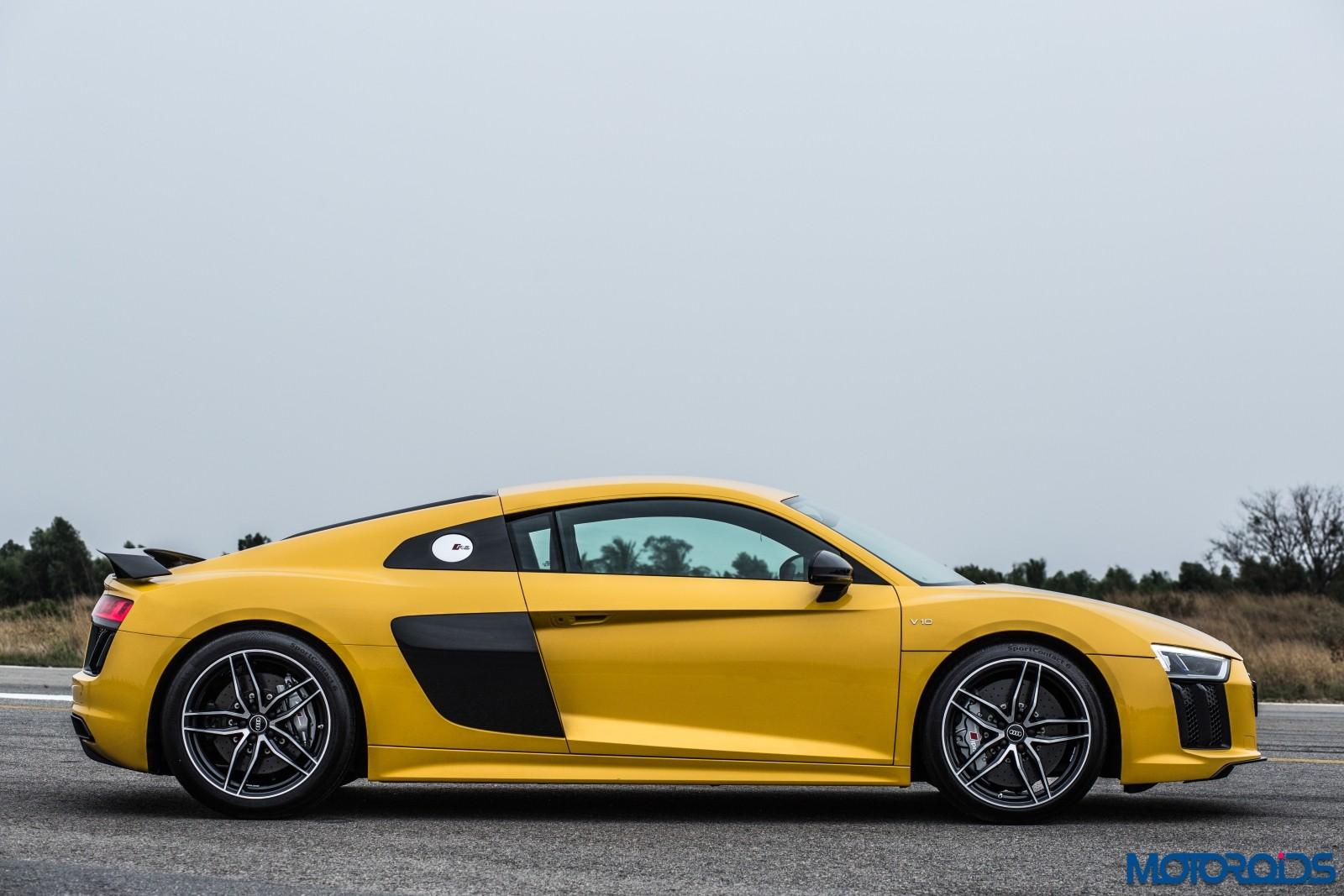 Audi R8 V10 Plus Drive Experience - Stock (1)