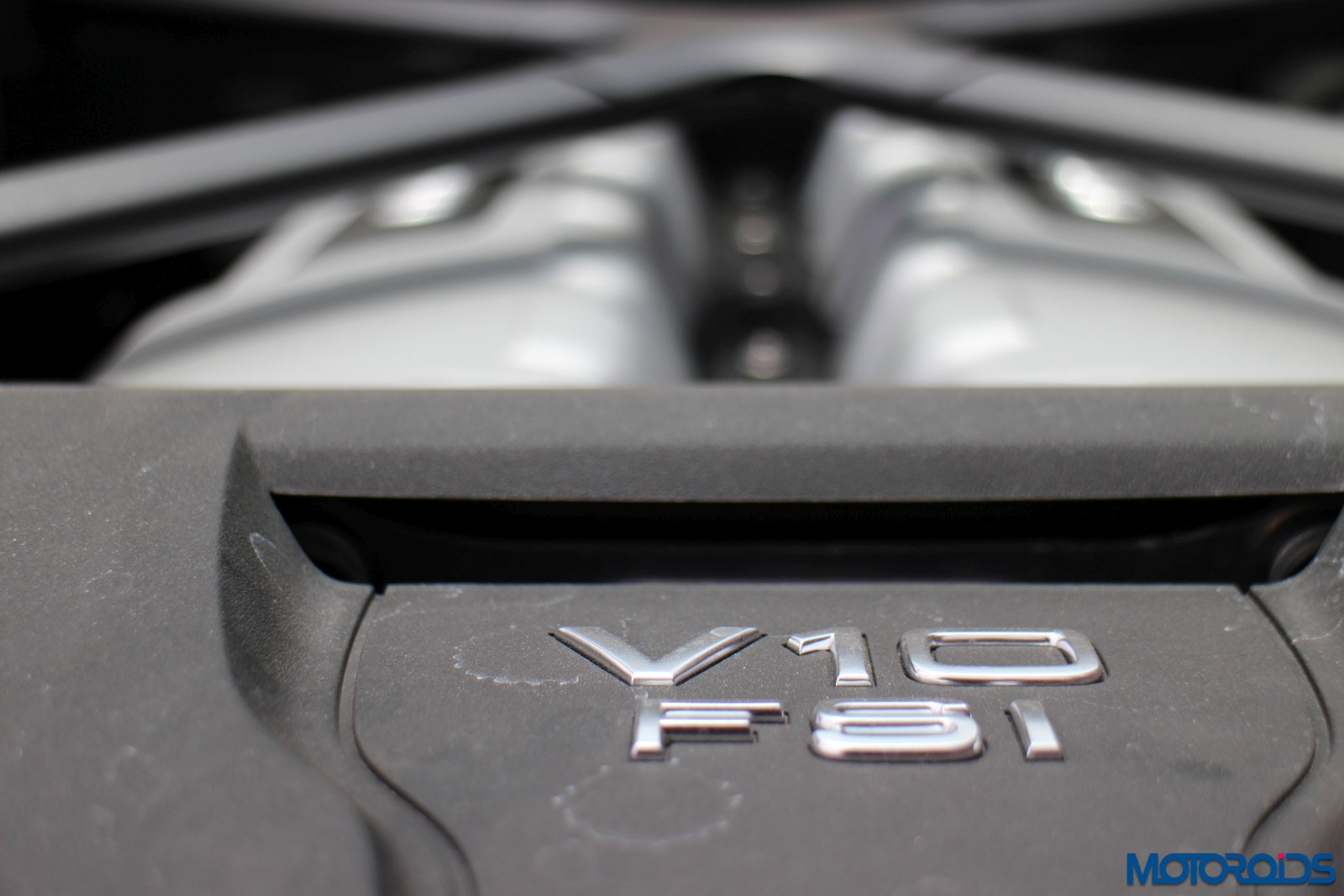 Audi R8 v10 Plus Details - Engine (4)