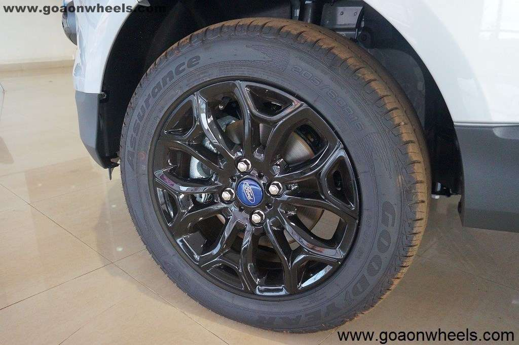 Ford EcoSport Black Edition (10)