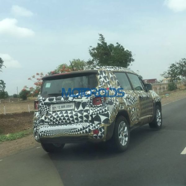 Jeep-renegade-spied-testing-in-Pune-1-600x600