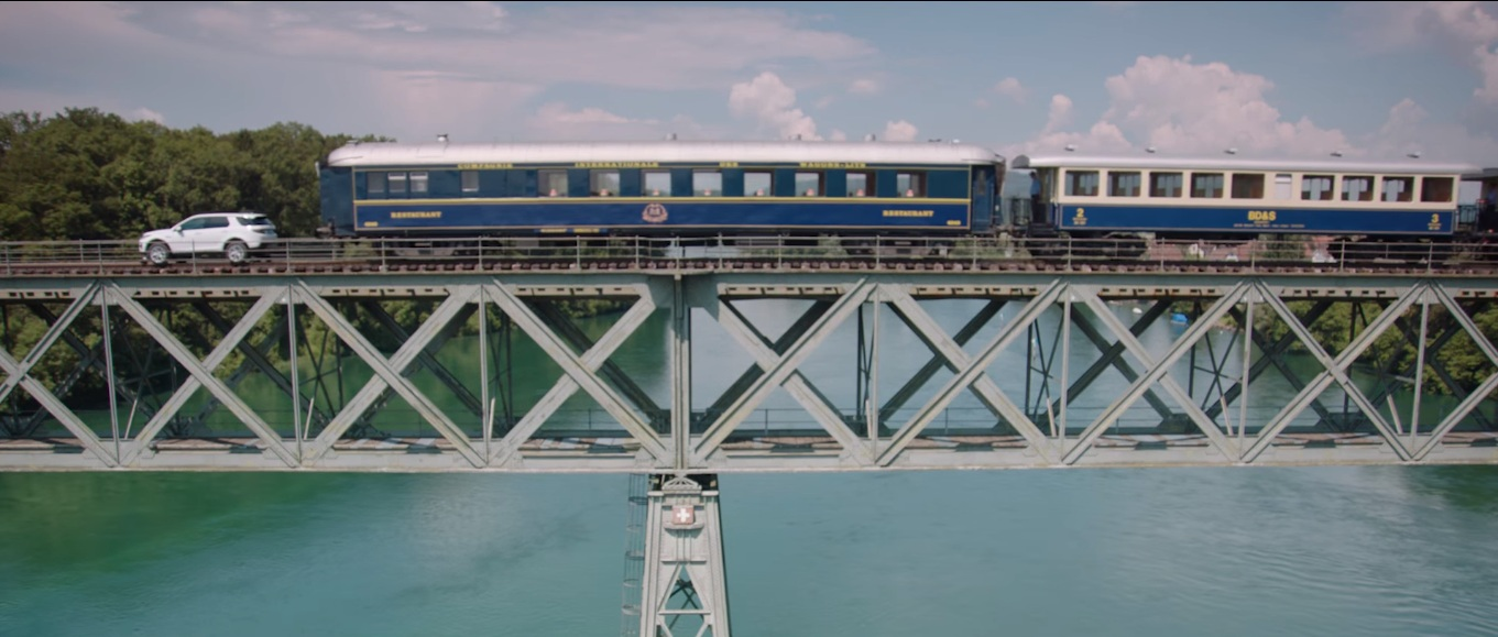 Land Rover Pulls Railway Carriages - 3