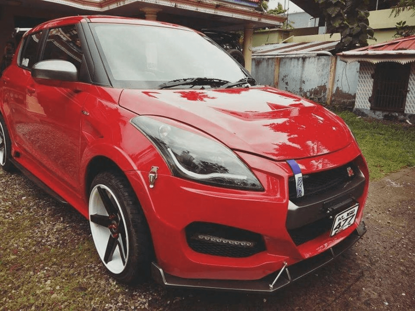 this nissan gt r inspired maruti suzuki swift from kerala is like godzilla on a wrong diet. Black Bedroom Furniture Sets. Home Design Ideas
