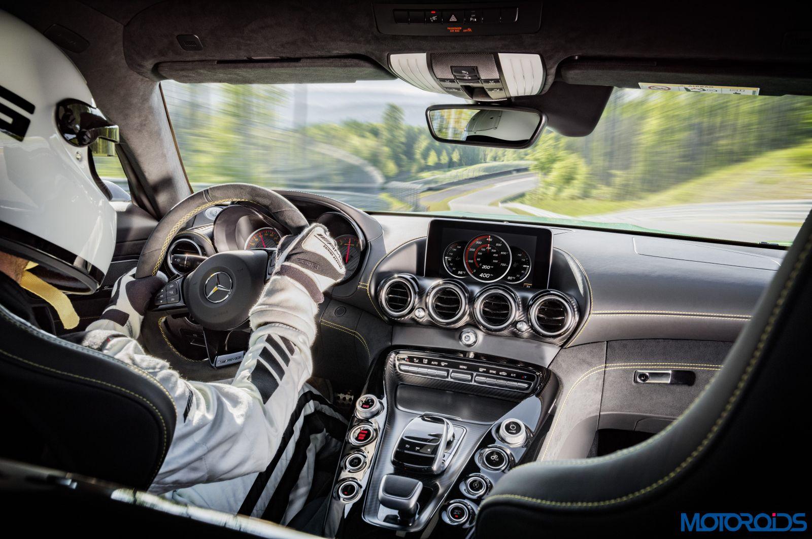 Mercedes-AMG GT-R (18)