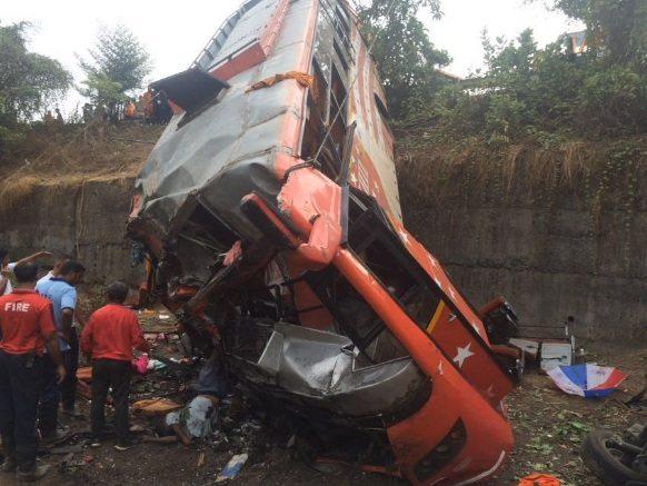 Mumbai-Pune Expressway Accident (1)