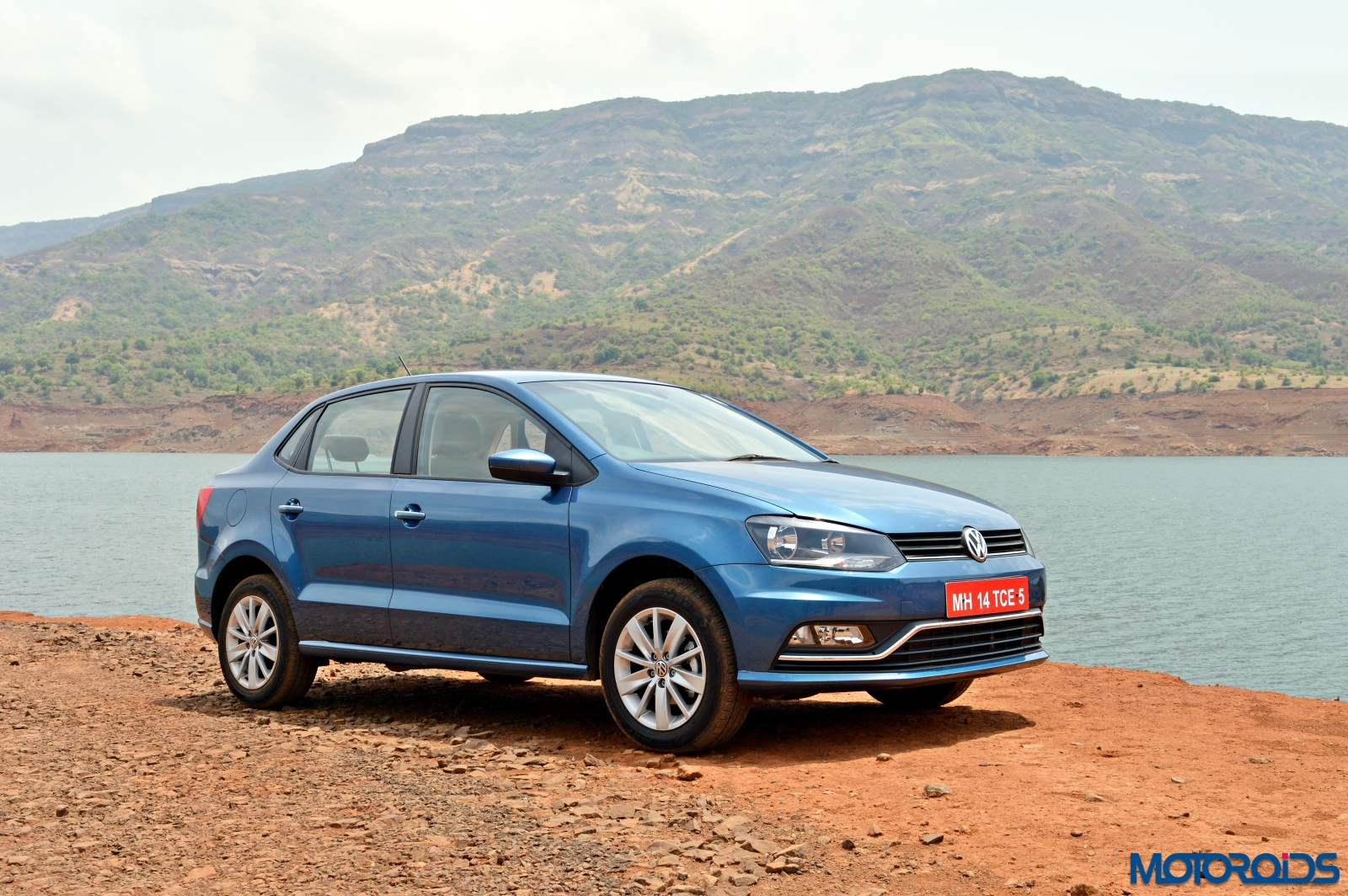 volkswagen ameo diesel launched prices start at inr lakh dsg priced at lakh ex. Black Bedroom Furniture Sets. Home Design Ideas