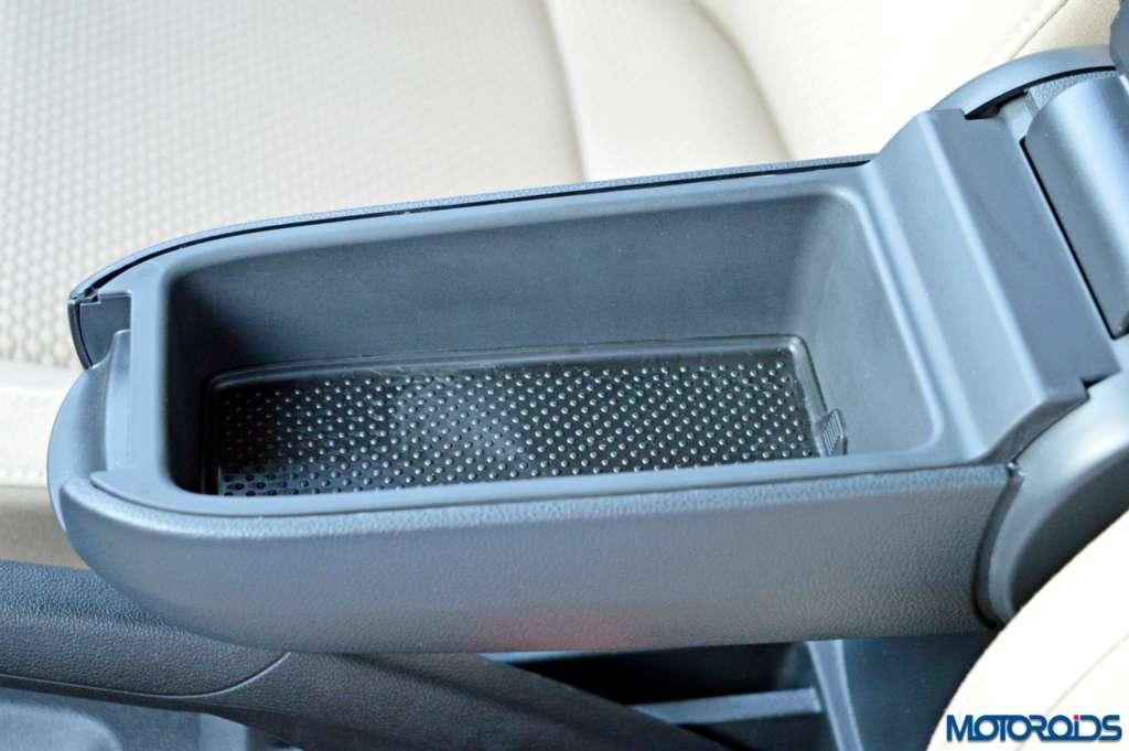 New Volkswagen Ameo central armrest storage(21)