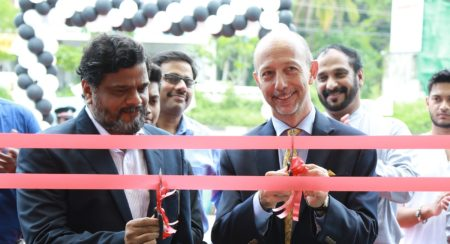 Piaggio India inaugurates Motoplex store in Kochi (2)