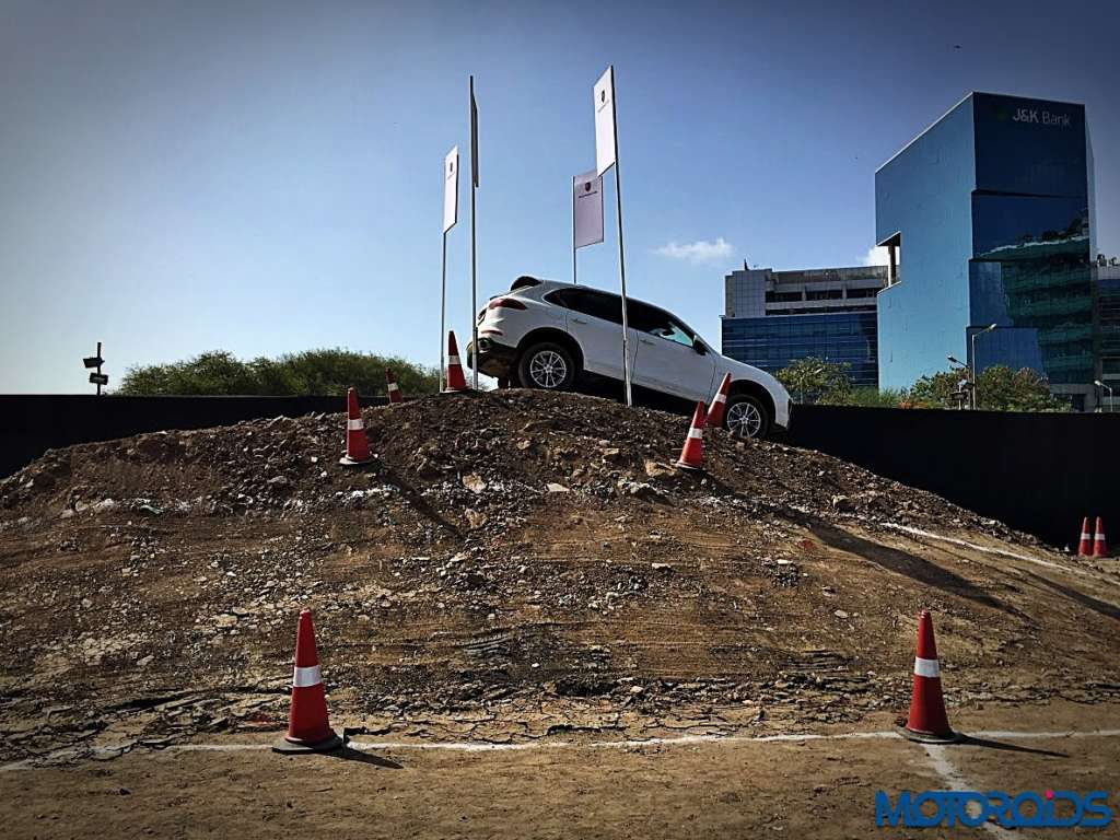 Porsche Cayenne and Macan off-roading BKC MMRDA (15)