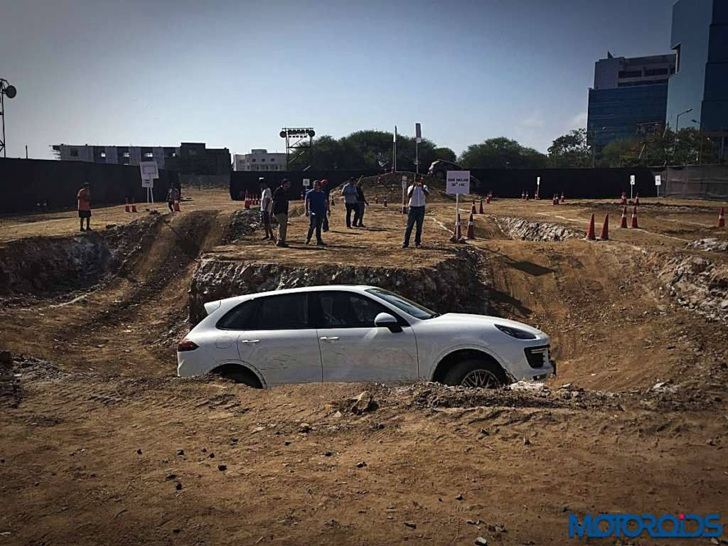 Porsche Cayenne and Macan off-roading BKC MMRDA (16)
