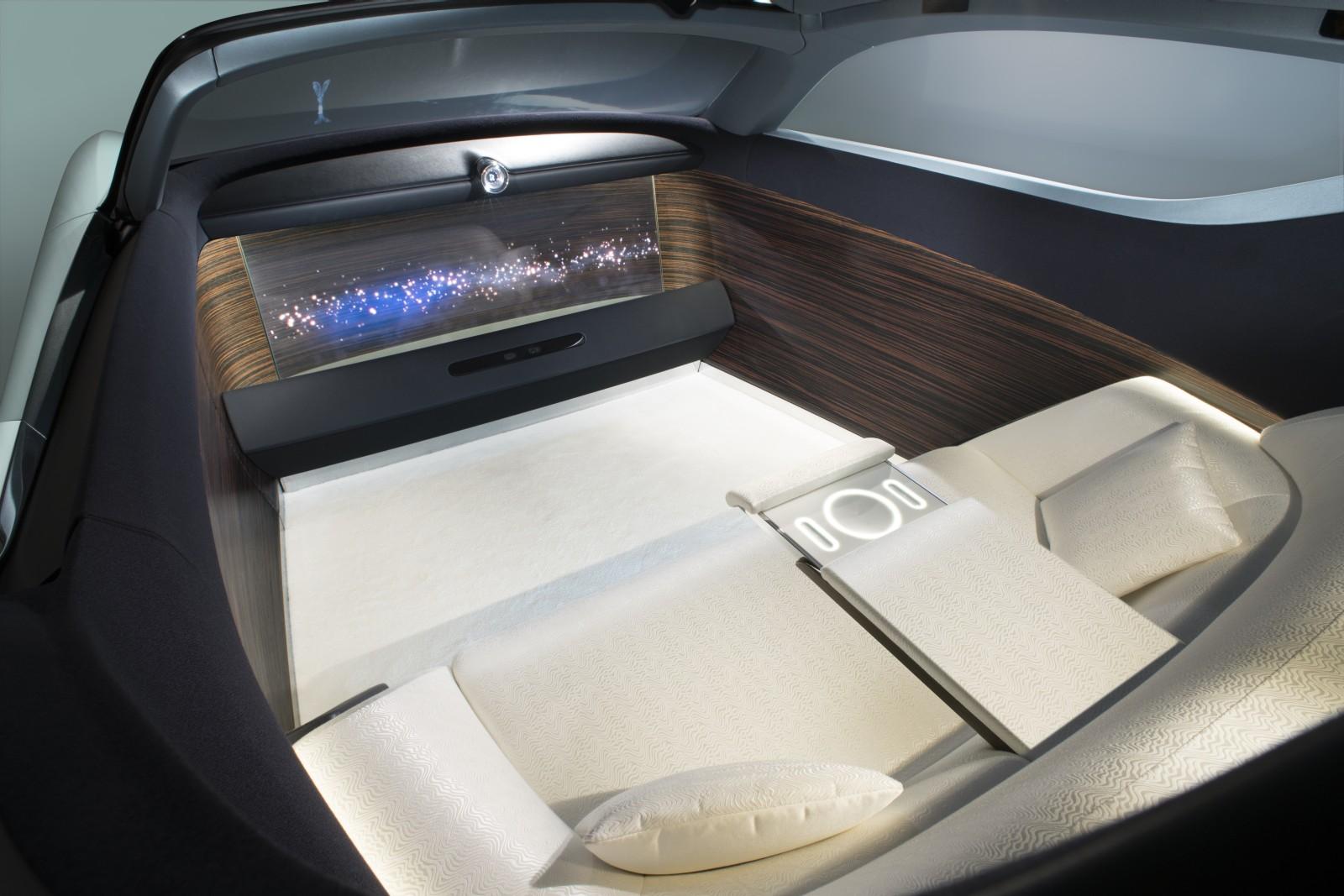 Rolls-Royce VISION NEXT 100 (19)